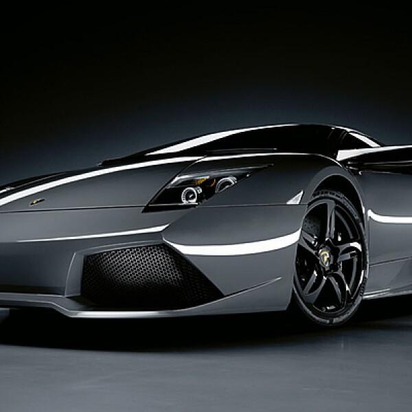 La firma italiana de súper autos comercializará en el país siete vehículos. Esta opción, presentada por primera vez en 2006, es la sucesora del famoso modelo Diablo. El Murciélago tiene una aceleración máxima de 320km/h y va de 0 a 100 km en apenas 3.8 se