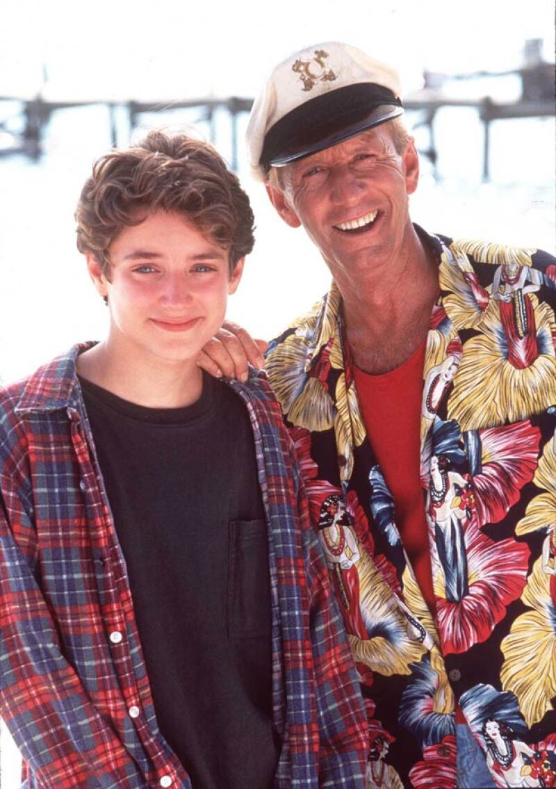 Elijah inició su carrera cinematográfica desde muy joven, y gracias a su madre fue protegido de que fuera víctima de pedofilia.