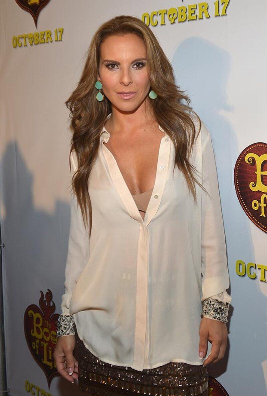 """La PGR tiene indicios de que la protagonista de """"La Reina del Sur"""" recibió recursos financieros de """"El Chapo"""" para financiar su empresa Honor del Castillo."""