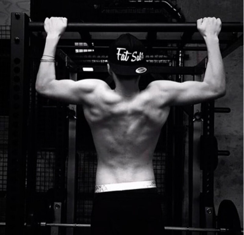 Brooklyn presumió su musculoso cuerpo en Instagram.