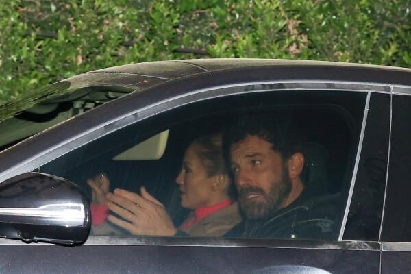 PREMIUM EXC Jennifer Lopez & Ben Affleck