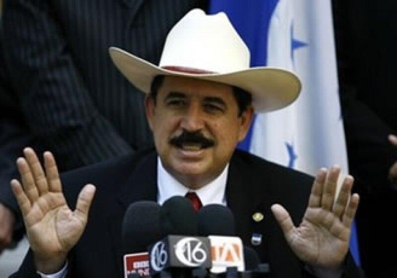 Manuel Zelaya quiere regresar al Gobierno de Honduras. (Foto: AP)