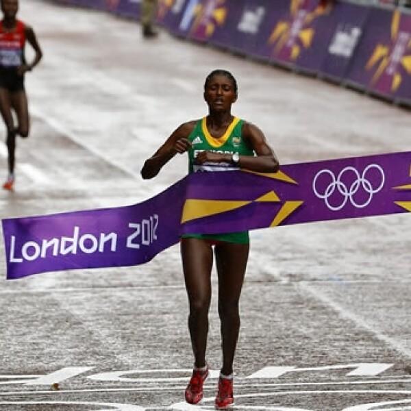 La etiope Tiki Geleana gana el maratón