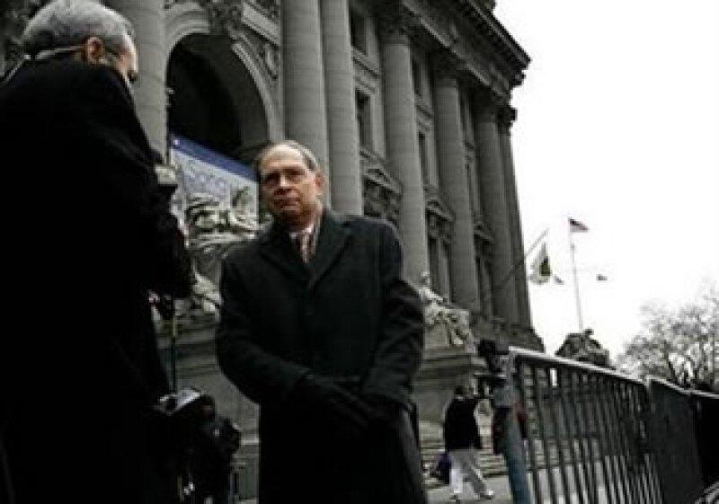 Irving Picard suponen cambiará su estrategia, que hasta ahora, se enfocó en el circulo cercano a Madoff. (Foto: Reuters)