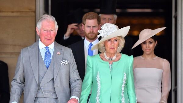 Príncipe Carlos, príncipe Harry, Camila de Cornualles y Meghan Markle