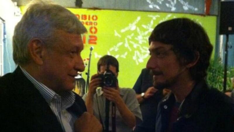 El candidato presidencial, Andrés Manuel López Obrador cenó en privado la noche de este lunes, con escritores, músicos y artistas, según publicó en su cuenta oficial de Twitter.