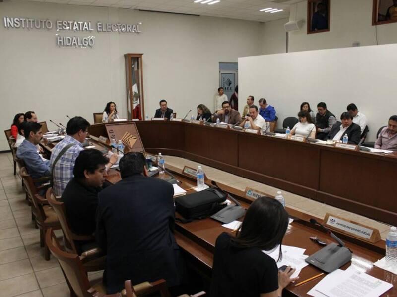 Los consejeros del Instituto Estatal Electoral llevaron a cabo una sesión extraordinaria en el marco del proceso electoral de este año.