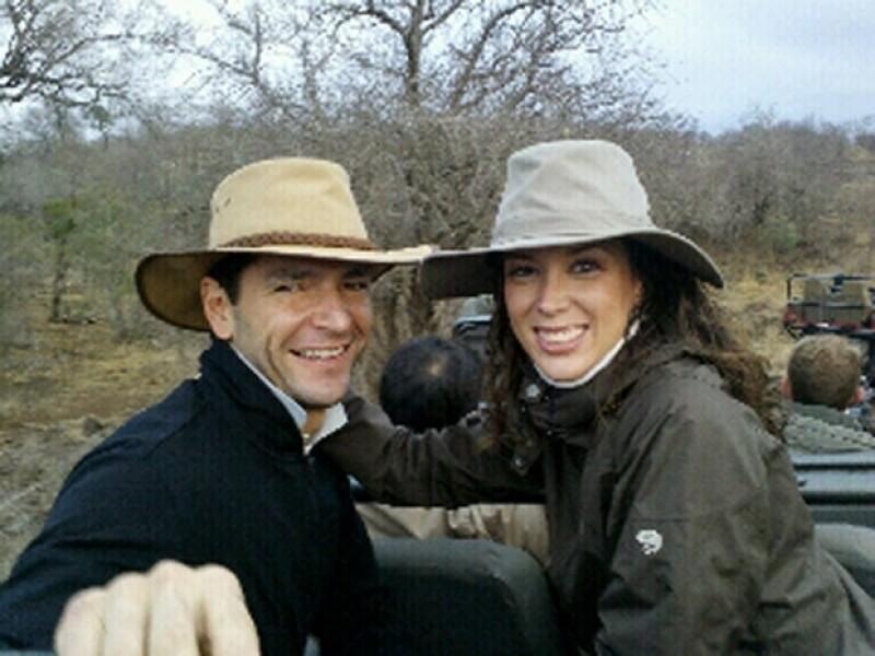 La actriz tapatía mostró una imagen del safari donde se encuentran ella y su ahora esposo, Martín Fuentes, como parte de su viaje de casados.