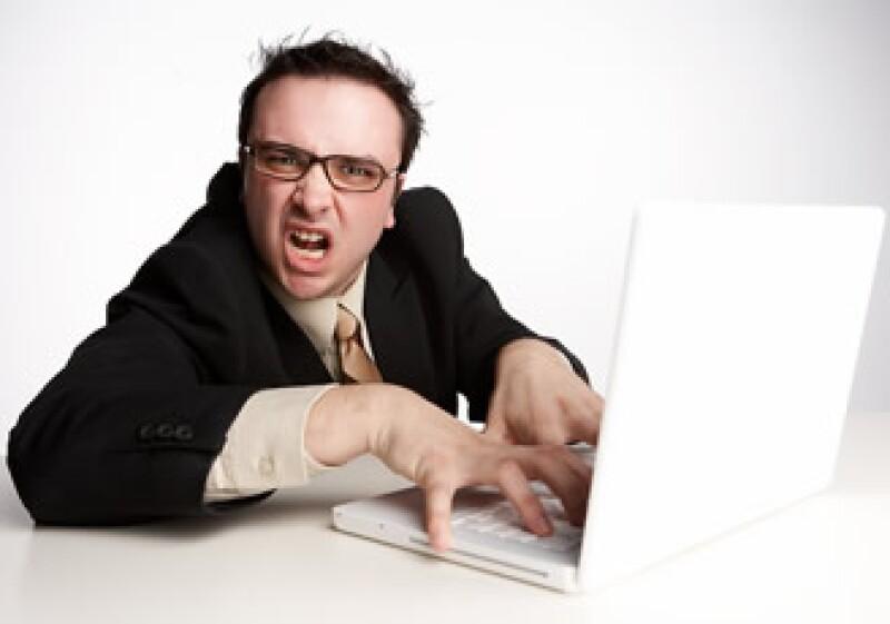 Si quieres cambiar de empleo, es mejor negociar con tus jefes antes de actuar en forma negativa para que te despidan. (Foto: Jupiter Images)