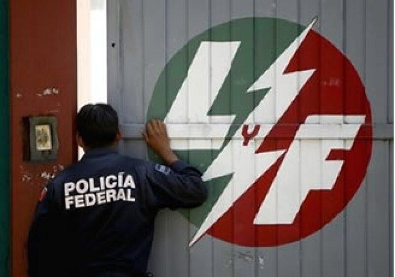 Esta semana trabajadores de LyFC presentarán demandas por despido injustificado, dijo el líder sindical Martín Esparza. (Foto: AP)