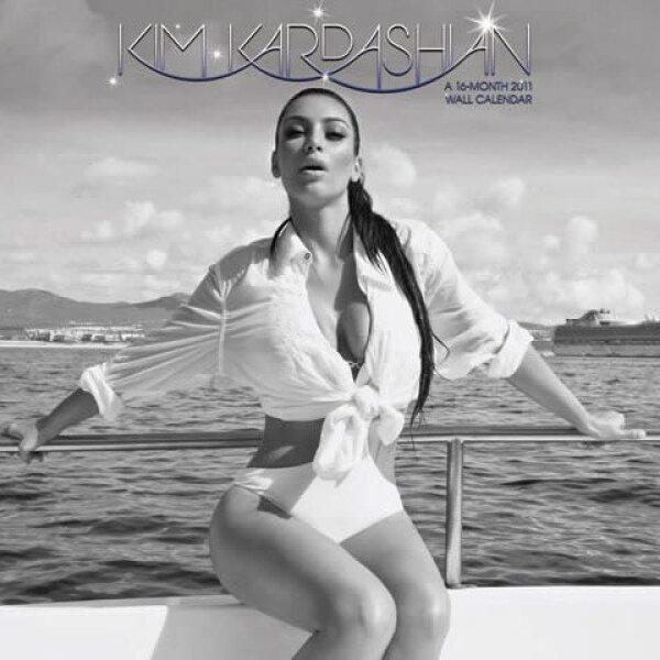 Kim decidió hacer dos versiones de su calendario 2011, la primera parte era con su look de rubia y en está que es morena dice sentirse más sensual.
