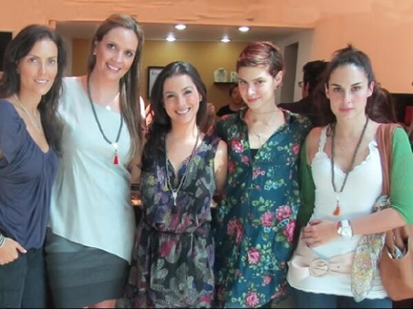 Claudia Lizaldi con sus embajadoras: Ana Gaby Peralta, Fernanda Aragonés y Ana Serradilla