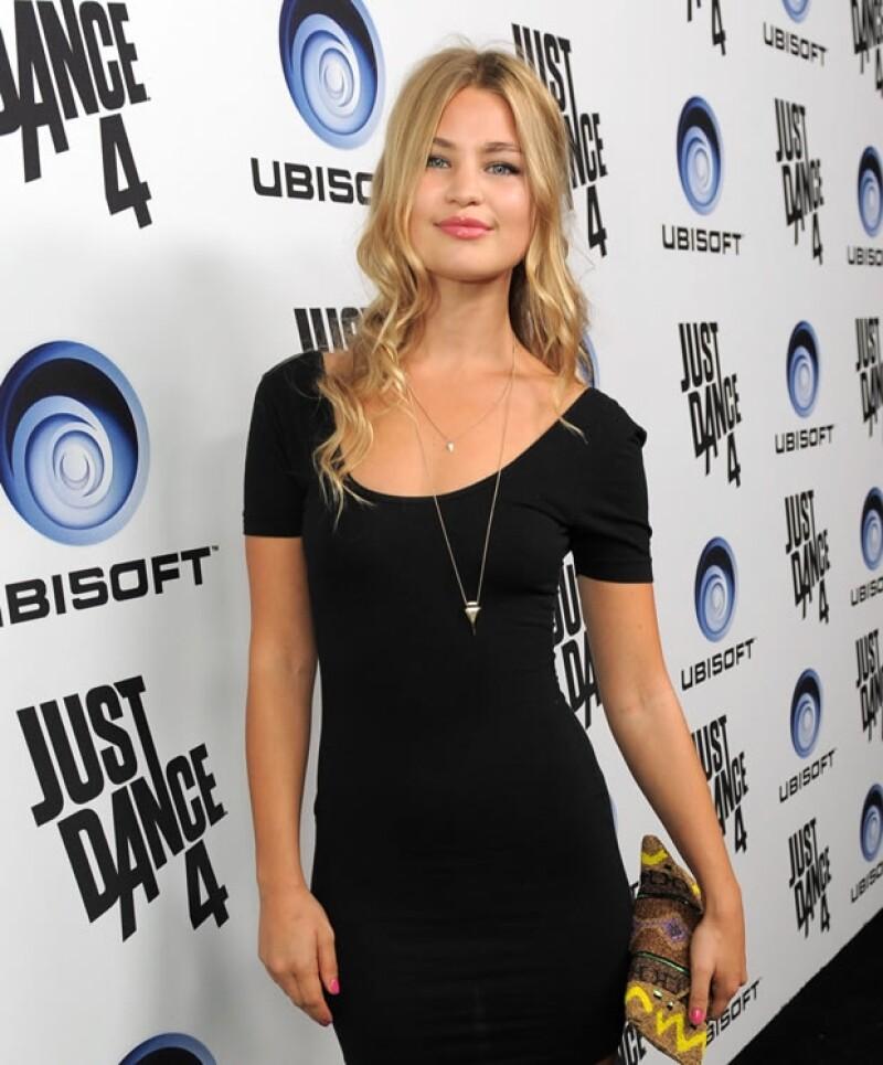 Hay fuertes rumores de que el actor podría estar comenzando a salir con Jennifer Akerman, hermana de su compañera Malin Akerman en `Rock Of Ages´.