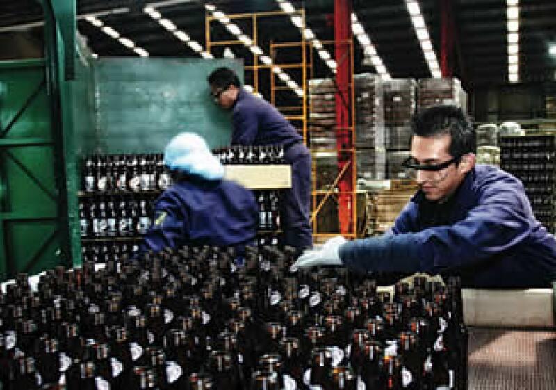 Las ventas trimestrales de envases Vitro bajaron 40.3%. (Foto: archivo)