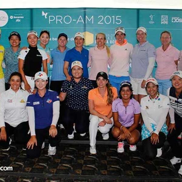 Lorena Ochoa con las jugadoras profesionales