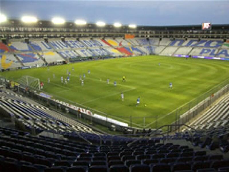 Un partido de la liga mexicana de futbol se jugó el sábado a puerta cerrada en el estadio Hidalgo debido a la epidemia. (Foto: Notimex)