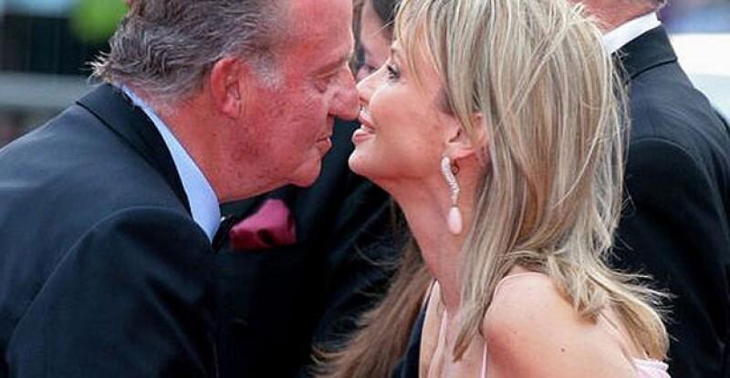 En 2006 se les veía juntos a Don Juan Carlos y Corinna, la prensa también la llama `la amiga del Rey´.