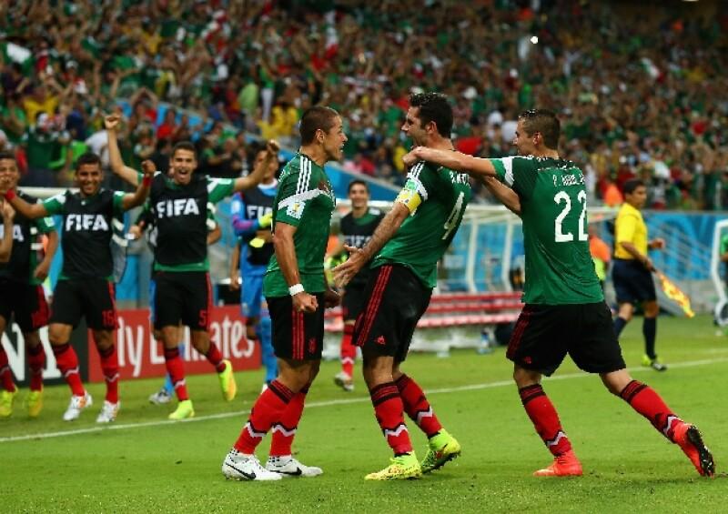 Rafa festejando instantes después de haber anotado el primer gol contra Croacia durante el partido de este 23 de junio en Brasil 2014.