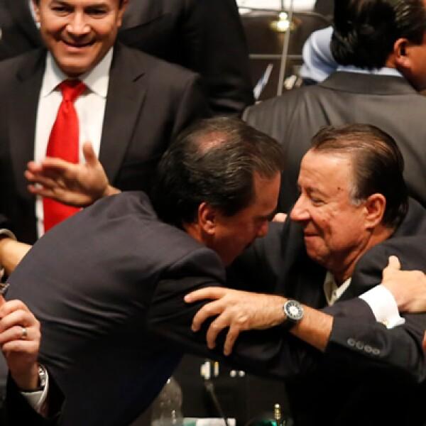 El Pleno del Senado aprobó en lo general y particular el dictamen de la reforma energética.
