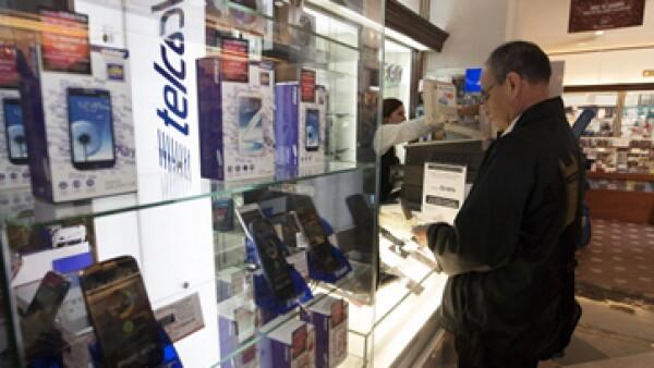 En suspenso. La Suprema Corte dejó en lista el amparo que solicitó Telcel para dar llamadas gratis entre sus clientes de nuevo. (Foto: Getty Images)