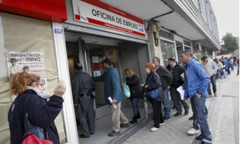 Un informe divulgado por el Banco de España indicó que el país entró en recesión en el primer trimestre del año. (Foto: Reuters)