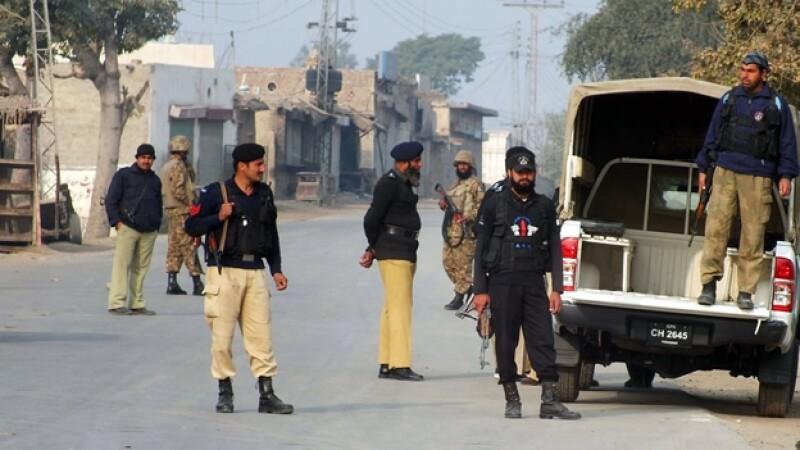 Militares de Paquistán acordonan lugar de explosión