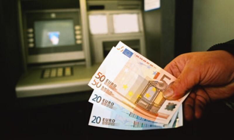 La rebaja será más difícil para los bancos más pequeños que tienen problemas para acceder al mercado de financiamiento. (Foto: Thinkstock)