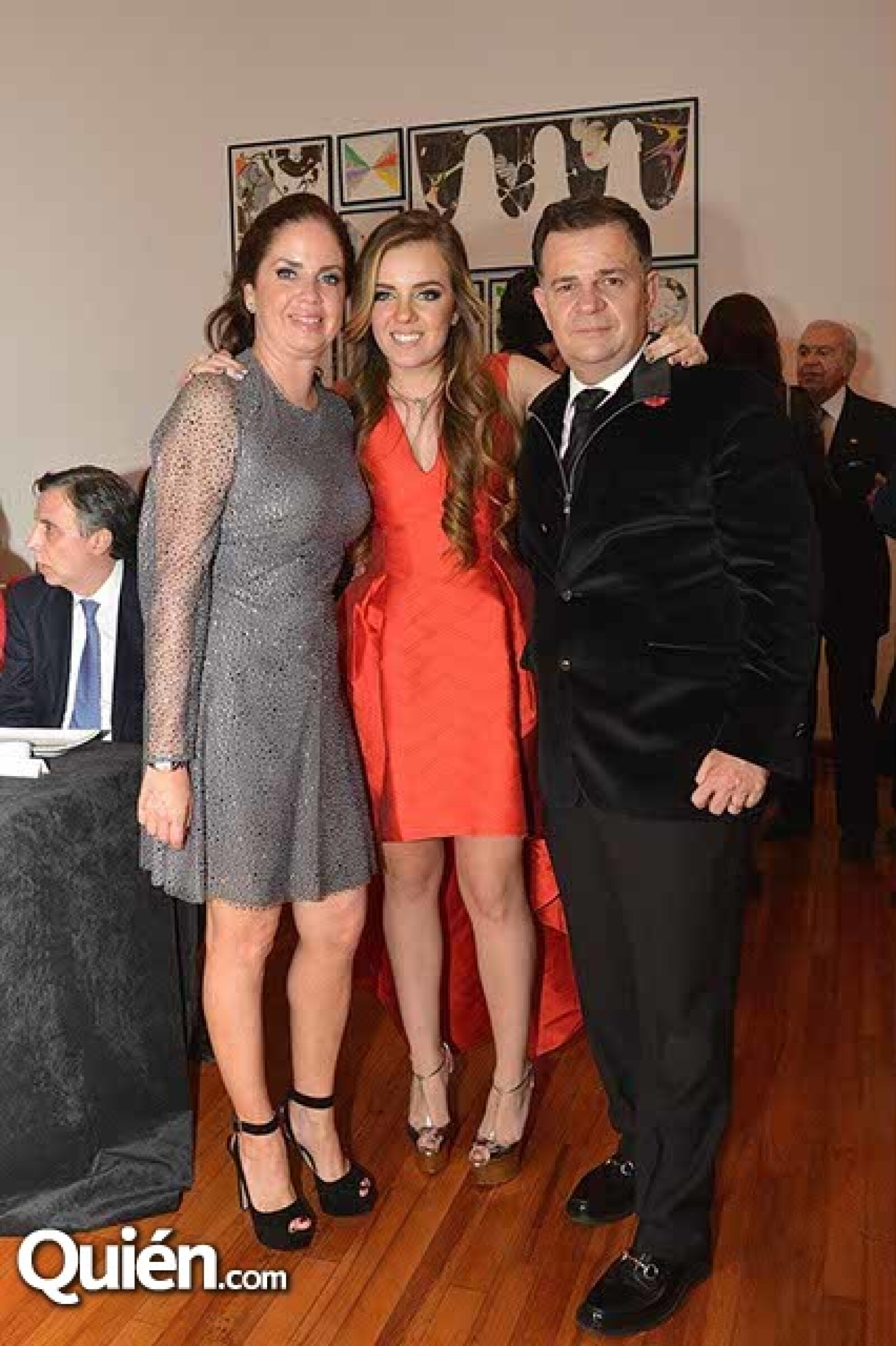 Claudia Ramírez,Renata Richter y Ulrich Richter.