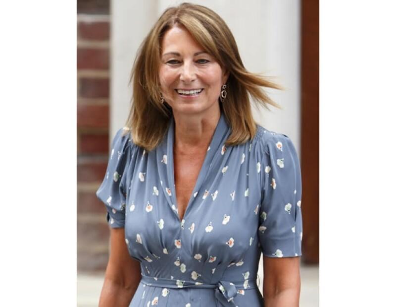 Carole nació en un suburbio cerca de Londres.