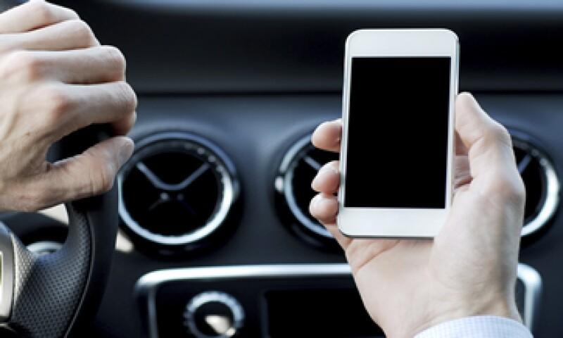 El auto permitirá a los mexicanos usar Facebook o leer los periódicos mientras conducen. (Foto: iStock by Getty Images. )