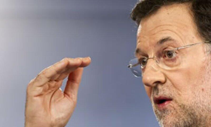 Mariano Rajoy precisó que el proceso de ajuste del déficit público continúa en los tres niveles de gobierno. (Foto: AP)