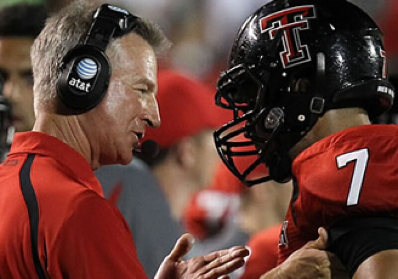 Tommy Tuberville, entrenador de Texas Tech. (Foto: CNNMoney.com)