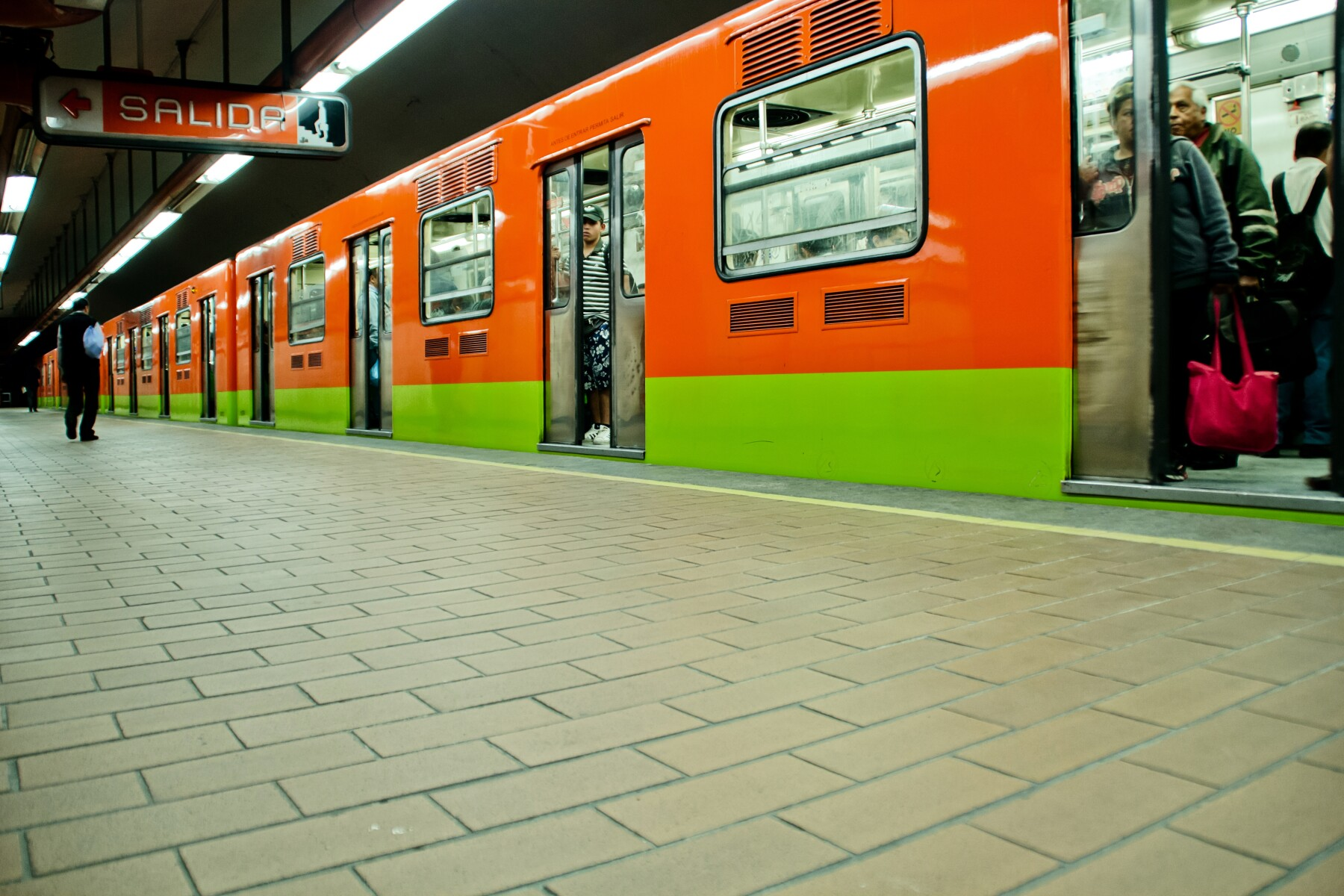 Subway train at Mexico city