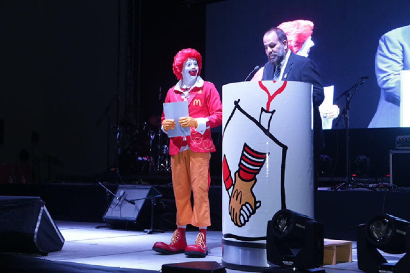 Ronald McDonald y León Michel