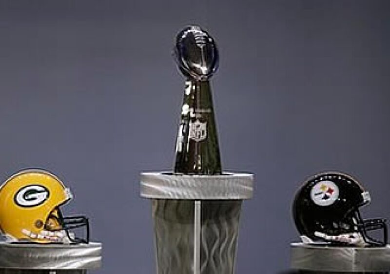 Esta es la primera vez que los dos equipos se enfrentan en un partido de Super Bowl. (Foto: AP)