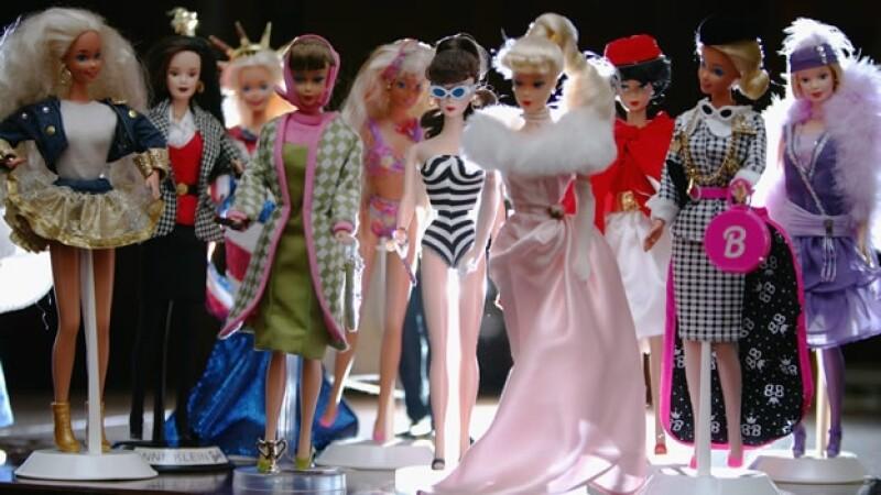 Barbie muñeca juguetes