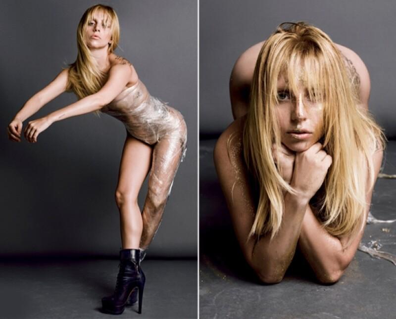 Con nada de ropa a excepción de unos botines, Lady Gaga posó para una sesión fotográfica muy reveladora.