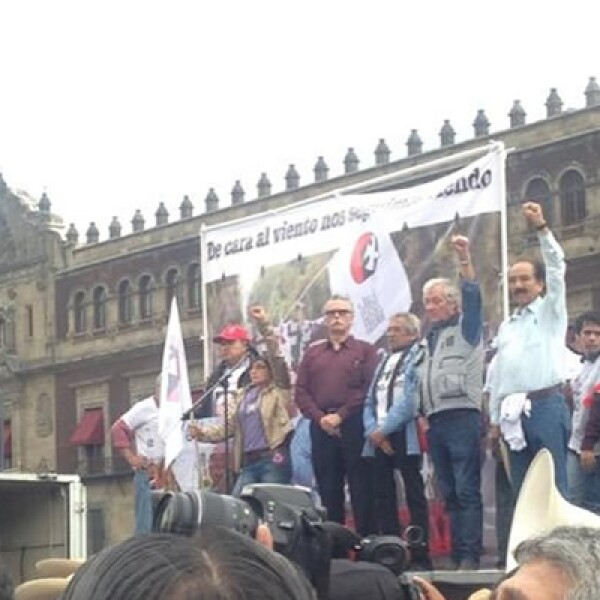 Líderes del Movimiento del 68 encabezaron la marcha.