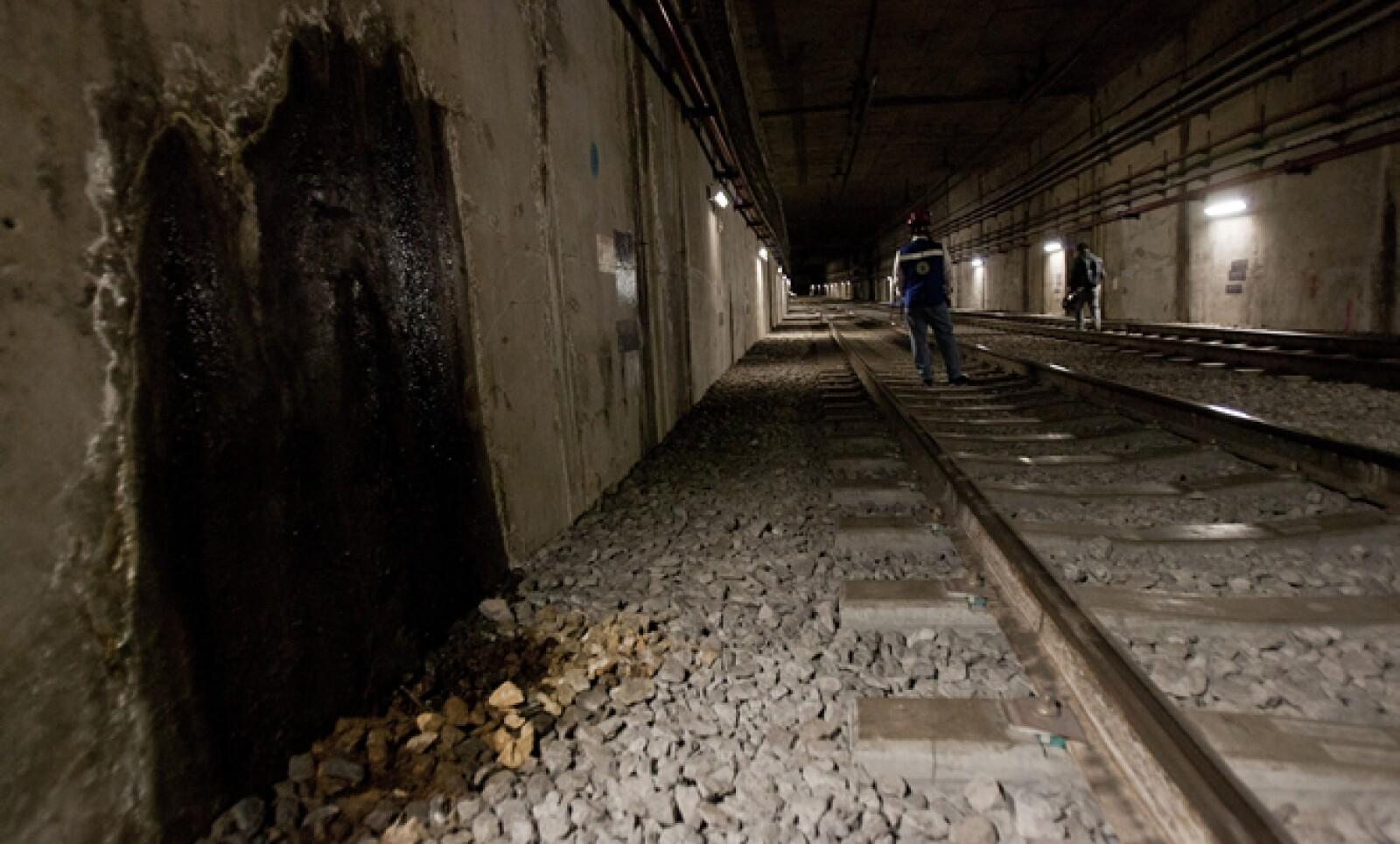 El pasado 28 de octubre fueron reabiertas cinco estaciones de la línea: Periférico Oriente, Calle 11, Lomas Estrella, San Andrés Tomatlán y Culhuacán.