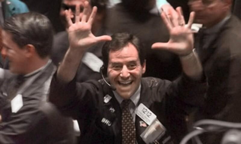 Aunque Wall Street cerró con ganancias este martes, perdura la incertidumbre sobre si la racha alcista se mantendrá. (Foto: AP)