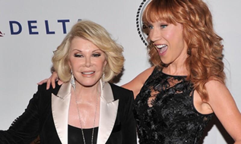 Kathy Griffin (der) era una amiga muy cercana de Joan Rivers. (Foto: Getty Images )