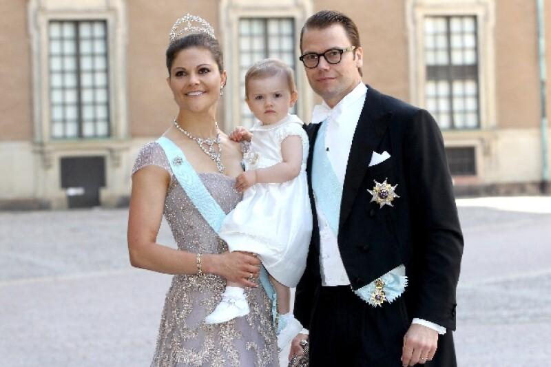 Victoria ha tenido tantos compromisos reales que ha dejado a su esposo e hija en Suecia.
