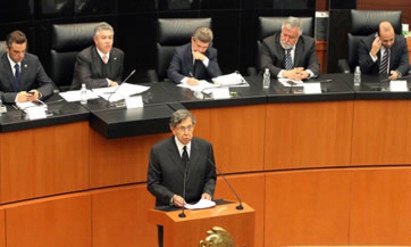 Cuauhtémoc Cárdenas defendió la iniciativa de reforma energética que propone el PRD. (Foto: Notimex)