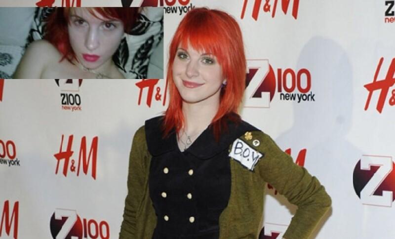 Hayley Williams, cantante de Paramore, tomó una fotografía con su Blackberry donde sale sin ropa.