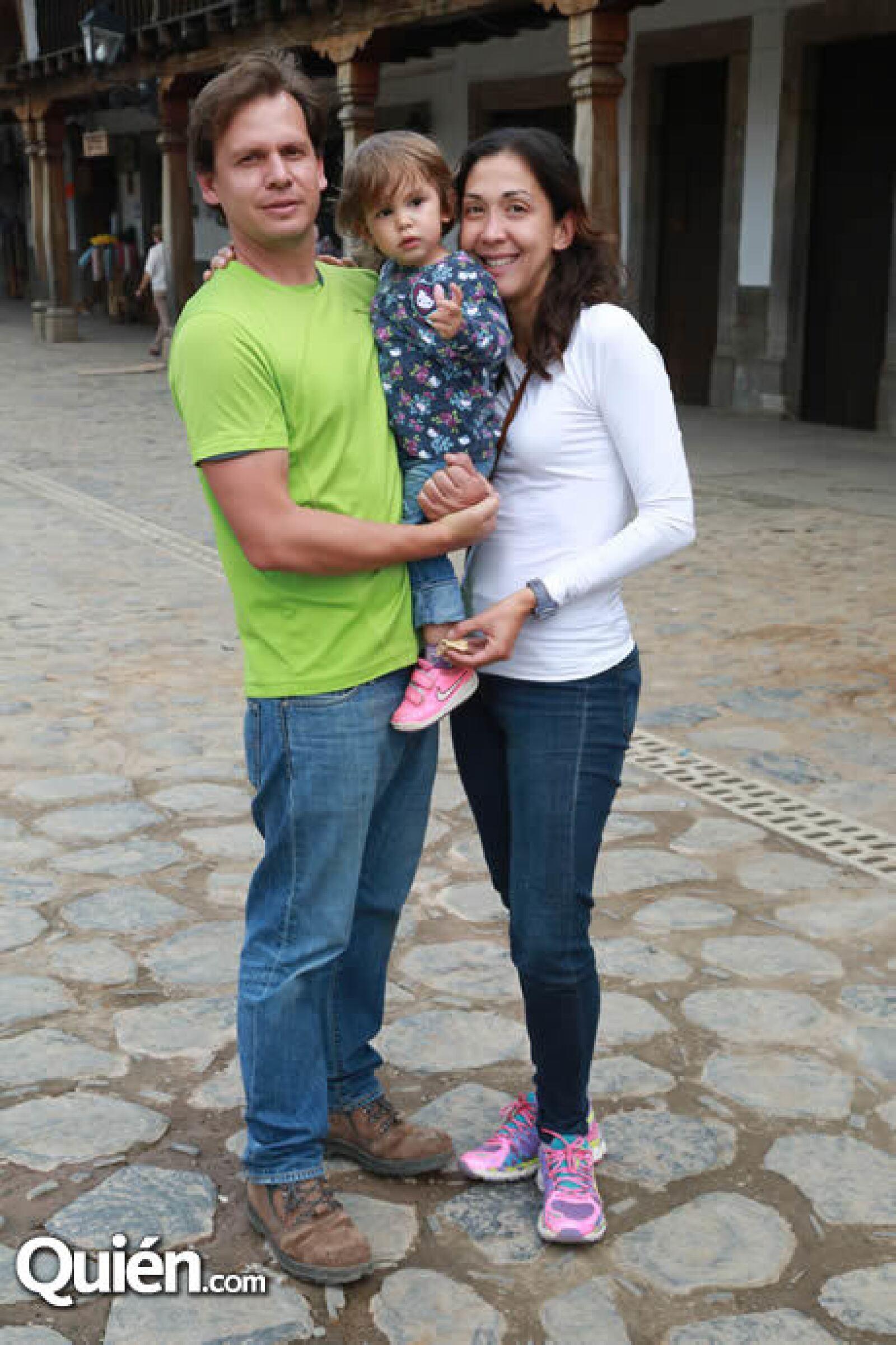 Sergio Peredo,Andrea Peredo y Zaira Gaytán