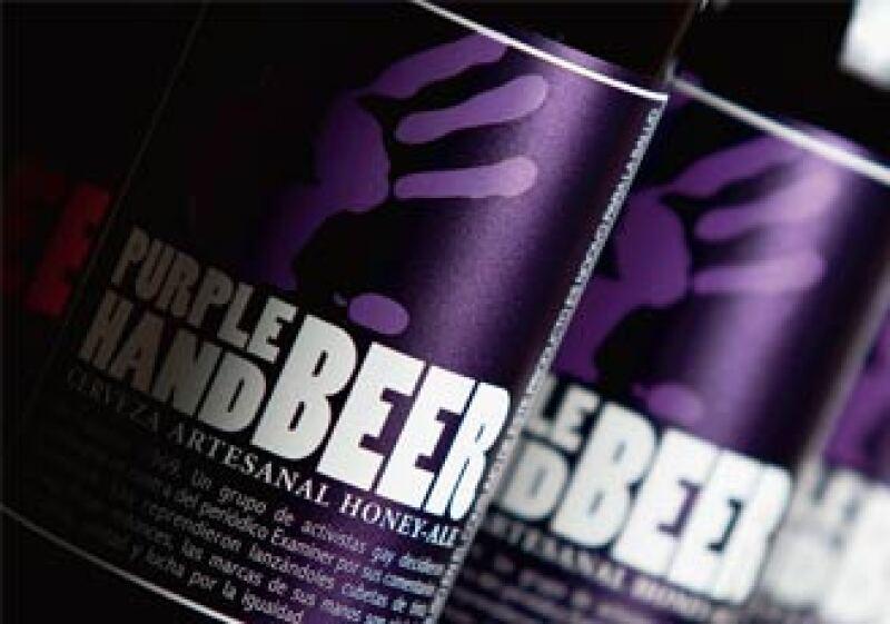 Las cervezas Purple Hand y Salamandra se lanzaron el 10 de enero de 2011; una semana después, ya habían vendido 12,000 botellas. (Foto: Especial)