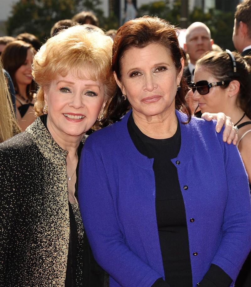 Debbie Reynolds y Carrie Fisher en los Emmy 2011
