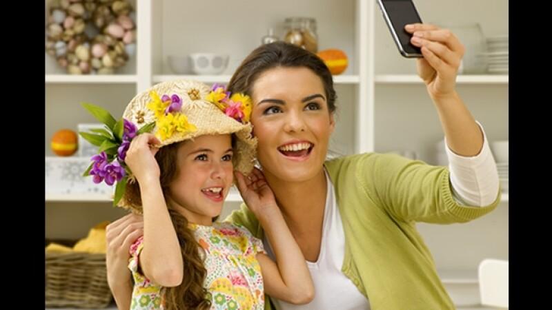 selfie madre e hija fotografia