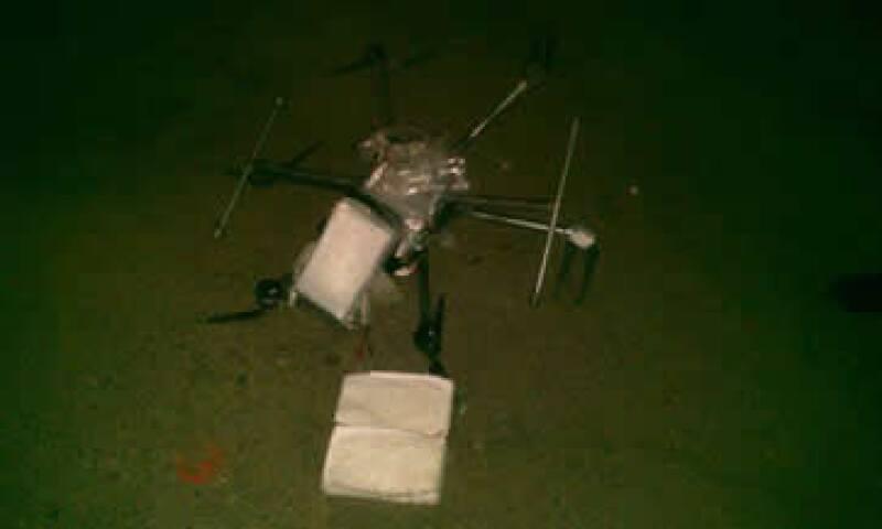 El dron transportaba 6 paquetes con droga. (Foto: Tomada de Facebook SSP Tijuana )