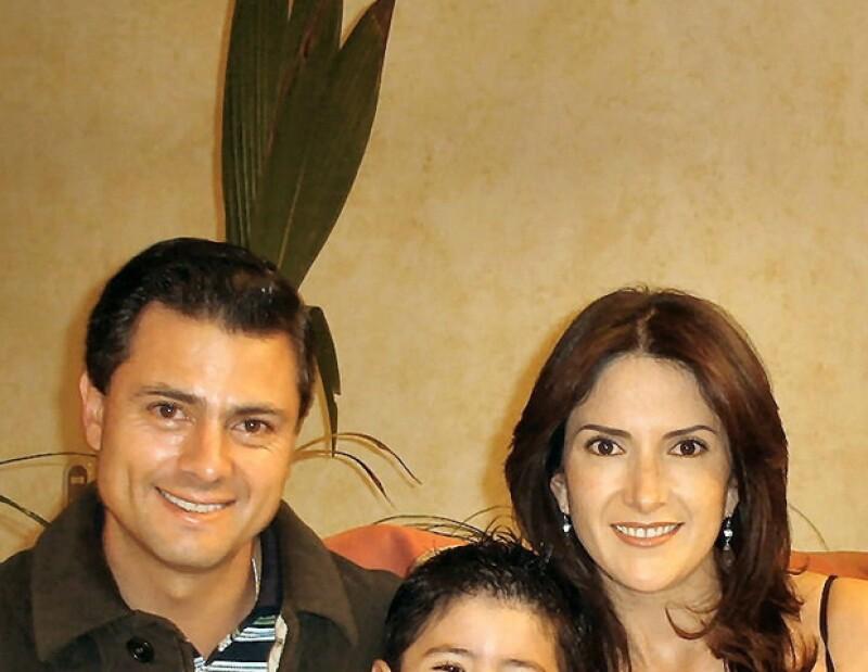 Maritza Díaz, madre de uno de los hijos del candidato, utilizó su cuenta de Twitter para señalar que el priísta le pidió en 2011 que saliera del país, entre otras cosas.